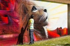 Nasim Naji, Streetart-BS, Mural (Wandgemälde/ Graffiti), an der Elbestraße in Braunschweig (Deutschland). 2021, Technik Sprühdose und Fassadenfarbe, Detailansichtansicht